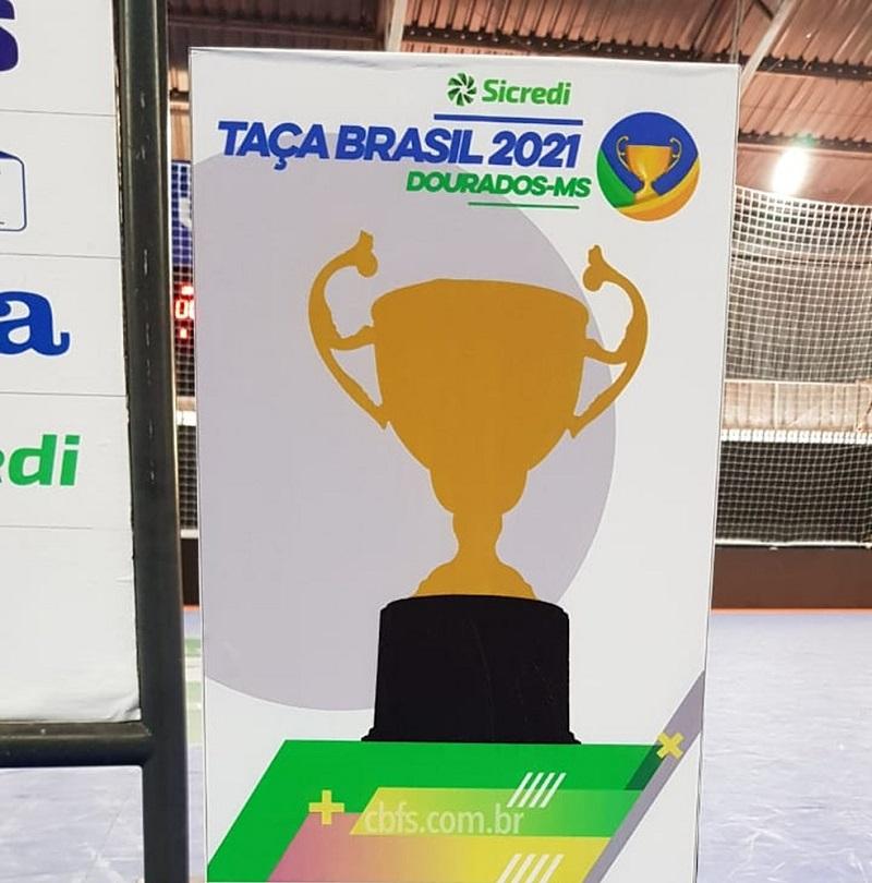Com presença de público, Taça Brasil de Futsal começa em Dourados